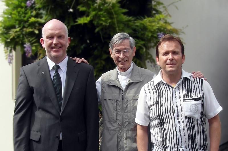 Pater Helmut und Sprecher web