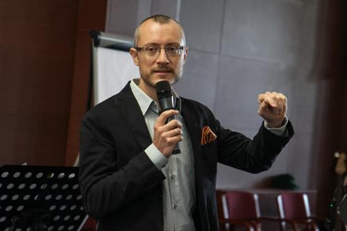Warschau Dr. Johannes Hartl